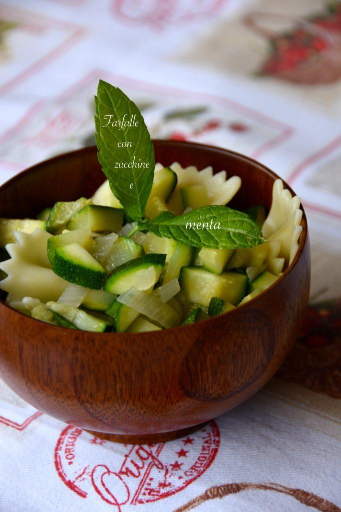 Pasta fredda vegana con zucchine e menta