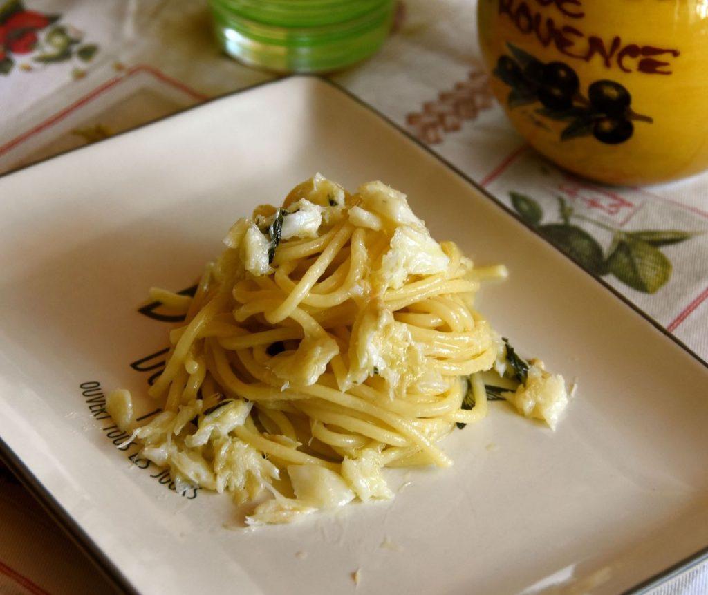 ricetta per cucinare gli spaghetti conditi con la brandade de morue