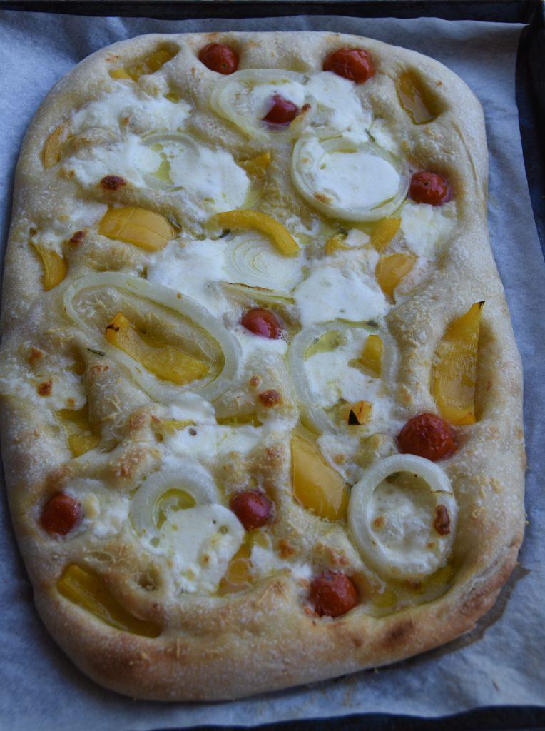 pizza peperoni gialli pomodorini
